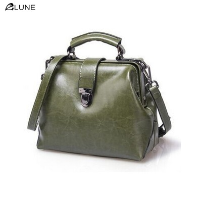 2017 new listing women oil wax genuine leather fashion bag retro doctor bag shell bag hand diagonal package crossbody bag