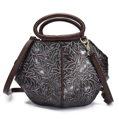 2017 New Fashion Women Shell Handbag Genuine Leather Shoulder Bag Embossed Flower Vintage Retro Bag Ladies National Medium Tote
