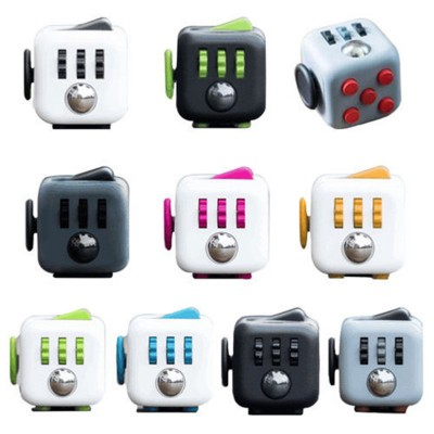 Finger Fidget Toys Mini Fidget Cube Toy Vinyl Desk Finger Toys Squeeze Fun Stress Reliever 3.3cm High Quality Antistress Cubo