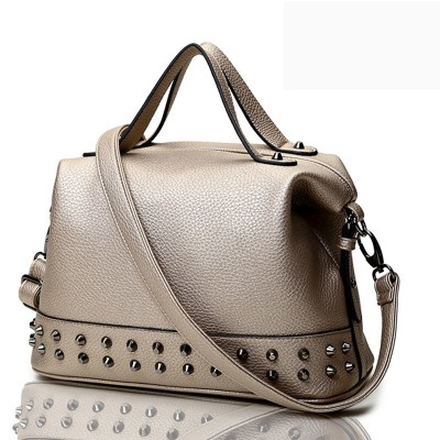 rock style black medium vintage women handbags punk women messenger bag with rivets hot sale ladies bags motorcycle handbag