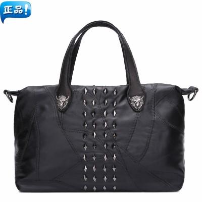 2019 new sheepskin female punk rivet handbag messenger bag large capacity womens genuine leather  handbag