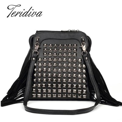 2017 Women Rivet Buckets Fashion Punk Rock Shoulder Bags High Quality Ladies Designer Bags Punk Messenger Bags