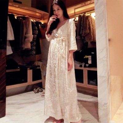 Robe Women Long Nightgown Embroidery Bathrobe For Ladies Princess Home Clothes Female Sleepwear Lounges Homewear