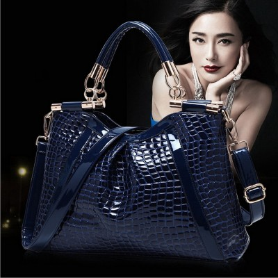 Female Bag Crocodile Pattern Leather Handbag Portable Diagonal Big Bag Women Fashion Shoulder Messenger Bag Large Casual Tote