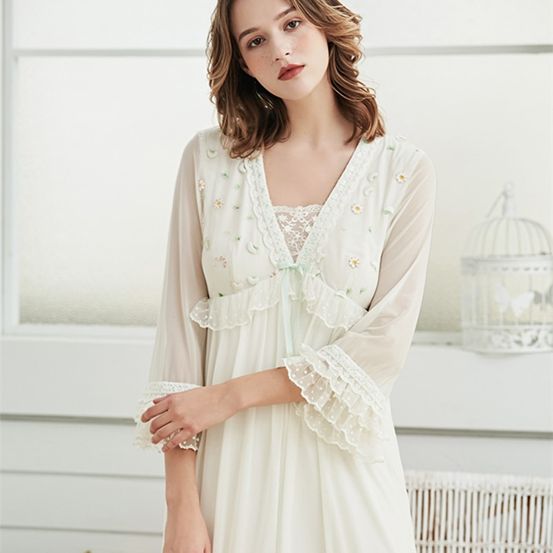 Long Nightown Lace Embroidered Woman