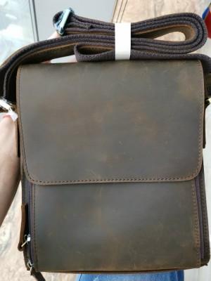 2019 New High Quality 100% Genuine Leather Handbags Crazy Horse Leather Sling Bag Men Messenger Bag Cross Body 7055