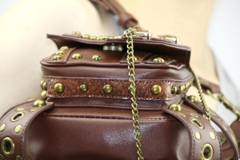 steampunk-thigh-waist-belt-bag-07.jpg