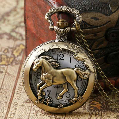 Retro Bronze Hollow Horse Case Design Quartz Pocket Watch With Necklace Chain Pendant Jewelry Gift For Birtday Christmas