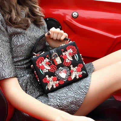 Fashion Prom evening bag diamond flower Clutch Bag hollow relief Acrylic Ballot lock luxury handbag banquet bag party purse Y876