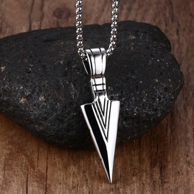 Striking Mens Vintage Spearhead Arrowhead Pendant Necklace for Men Special Surf Bike Chocker Stainless Steel Jewelry